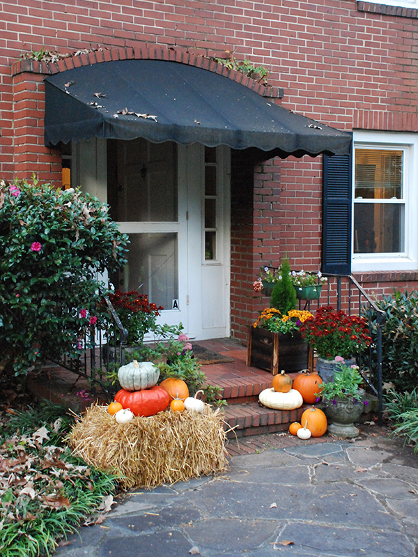 front-porch-fall-decorating-ideas1_4